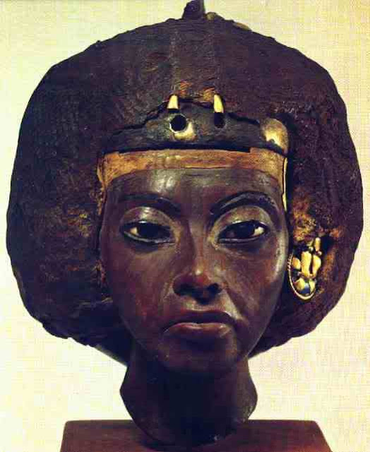 rainha tiye