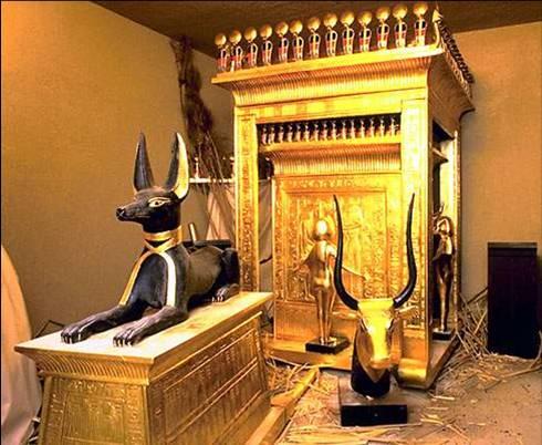primeira câamara funeraria da tumba do farao tutankamon