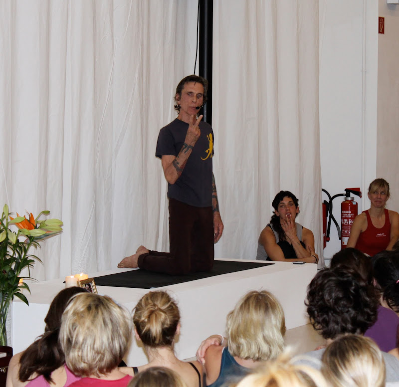 Yoga mit David Life und Sharon Gannon in berlin
