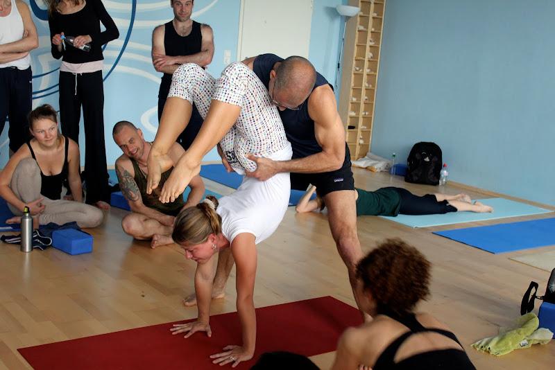 Workshop Eye of the Tiger mit Desiree Rumbaugh in Berlin Yoga Asana Vrischikasana