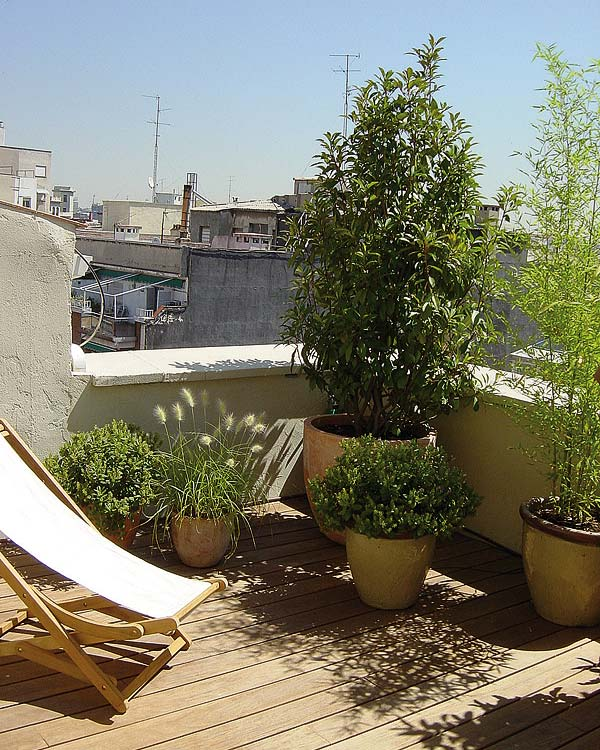 terraco jardins clinica:Em terraços pequenos, muitas vezes podemos abrir mão das mesas para