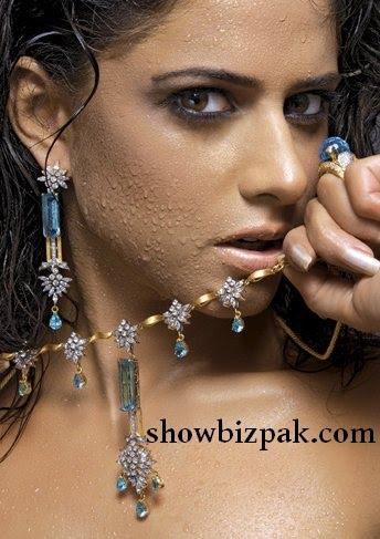 http://4.bp.blogspot.com/_fKO2L8Xl6TE/TBKjk23owDI/AAAAAAAACME/IZQb9ol4iGw/s1600/mehreen3.jpg