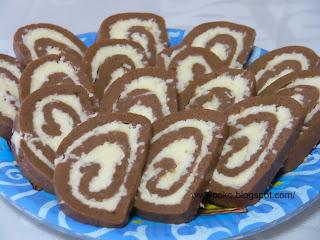Articole culinare : Rulada de biscuiti cu cocos