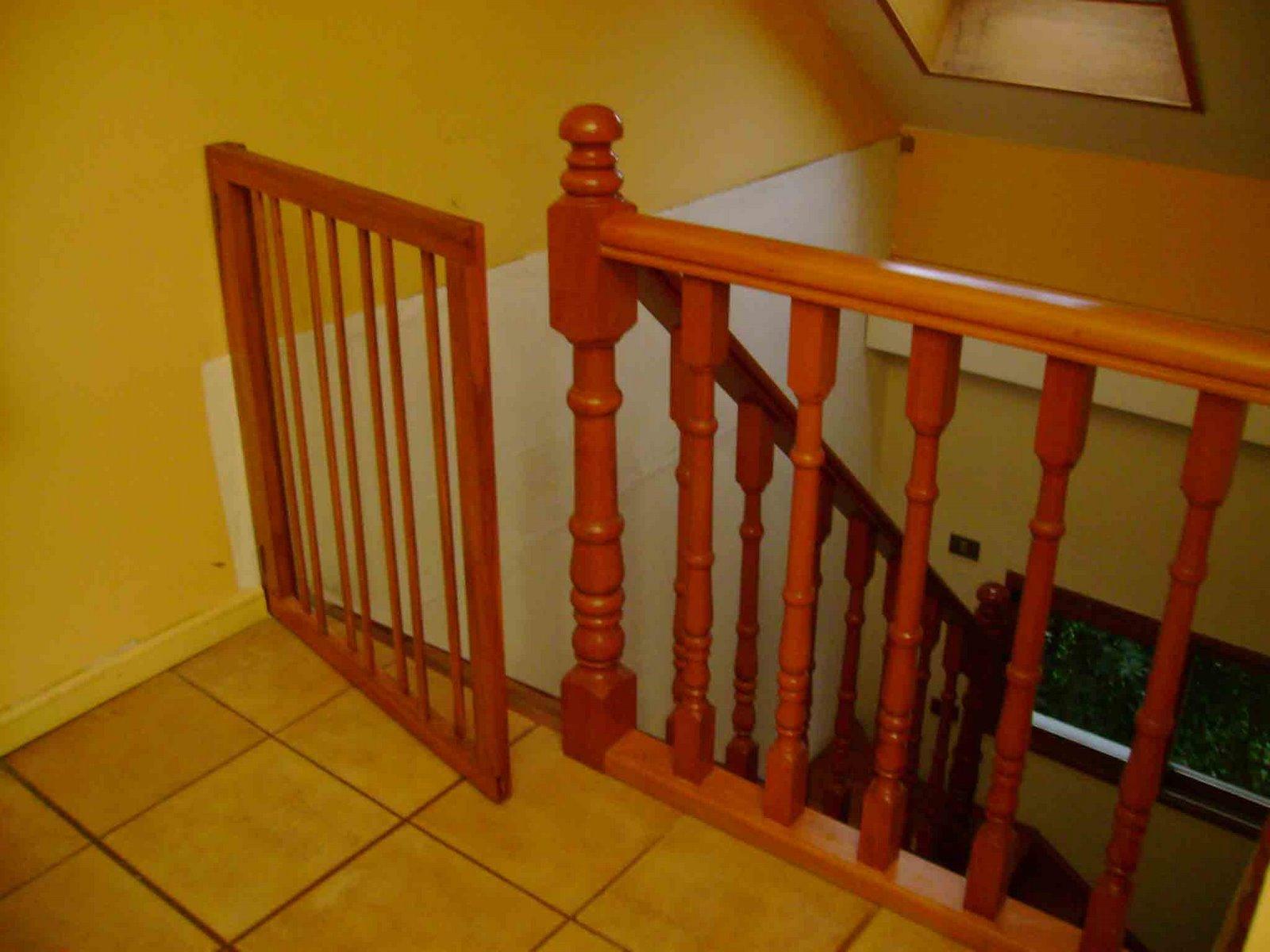 Disegnando puerta seguridad escalera - Puertas para escaleras ...