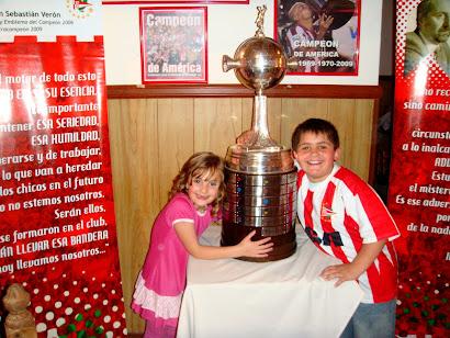 Tan chicos y Campeones de America