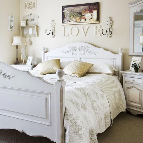 French Romantic Bedroom Decorating Ideas