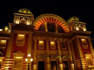 中之島の中央公会堂のライトアップ