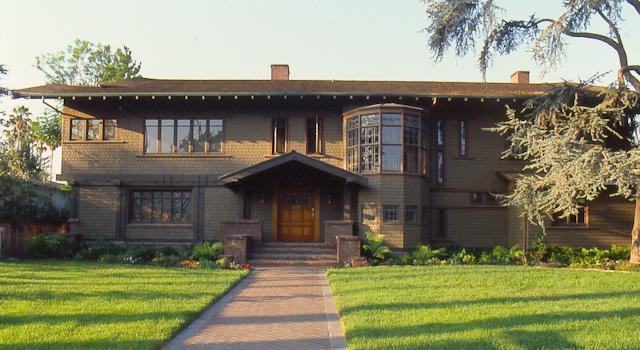 Arroyolover a greene greene adventure at pasadena 39 s for Pasadena craftsman homes