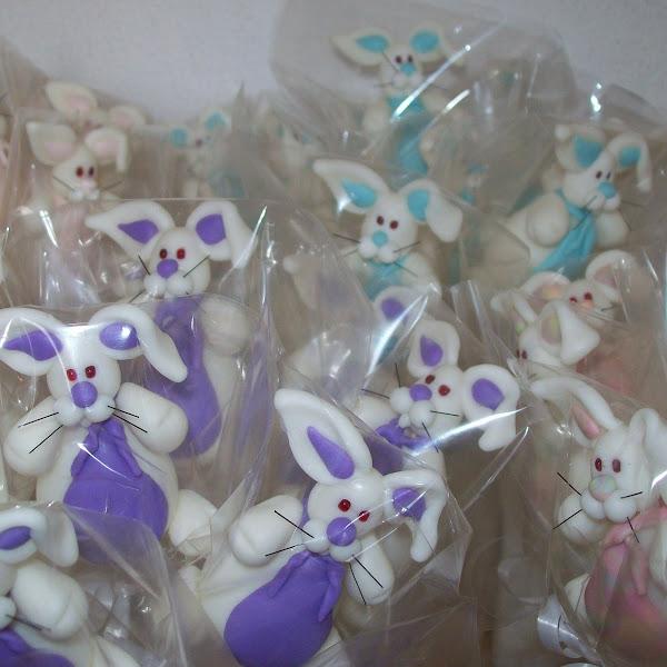 Coelhinhos para enfeitar ovos de Páscoa