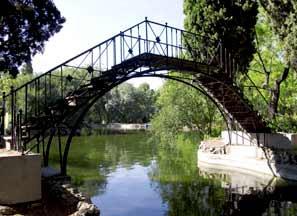 Un paseo por madrid parque de el capricho for Jardin historico el capricho paseo alameda de osuna 25