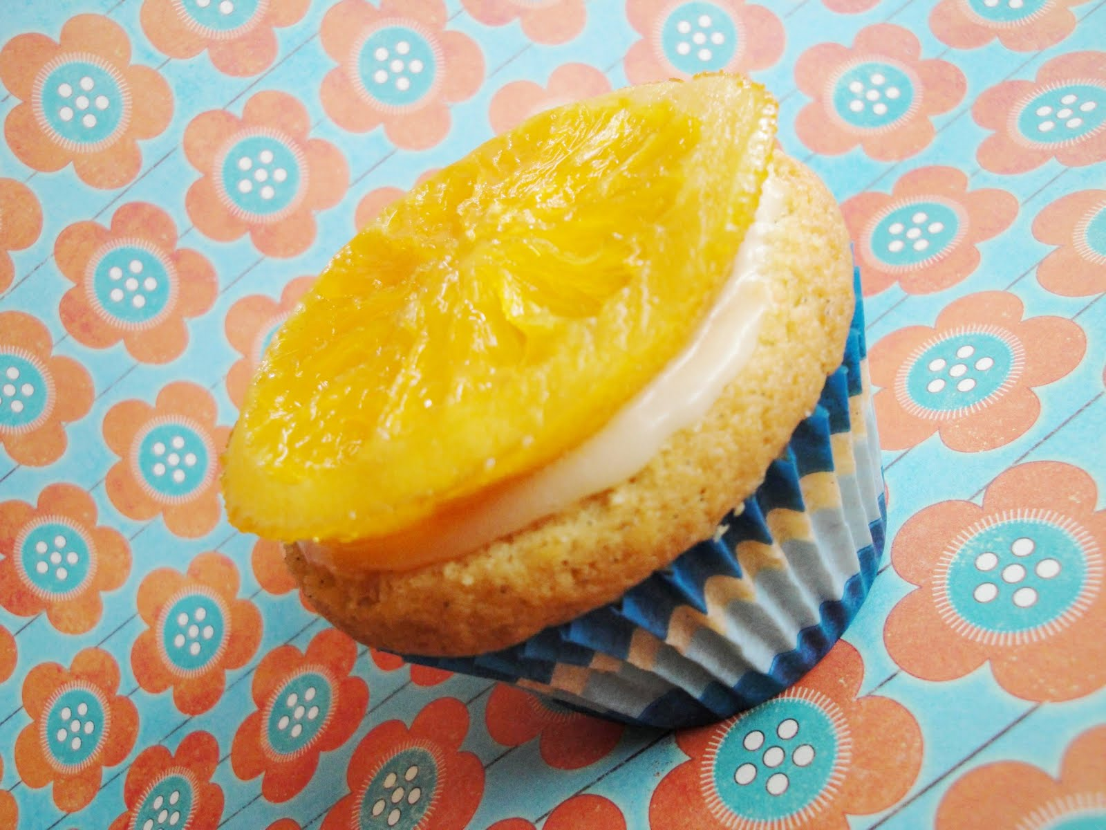 Squirrels-n-Sweets: Orange-Vanilla Bean Cupcakes