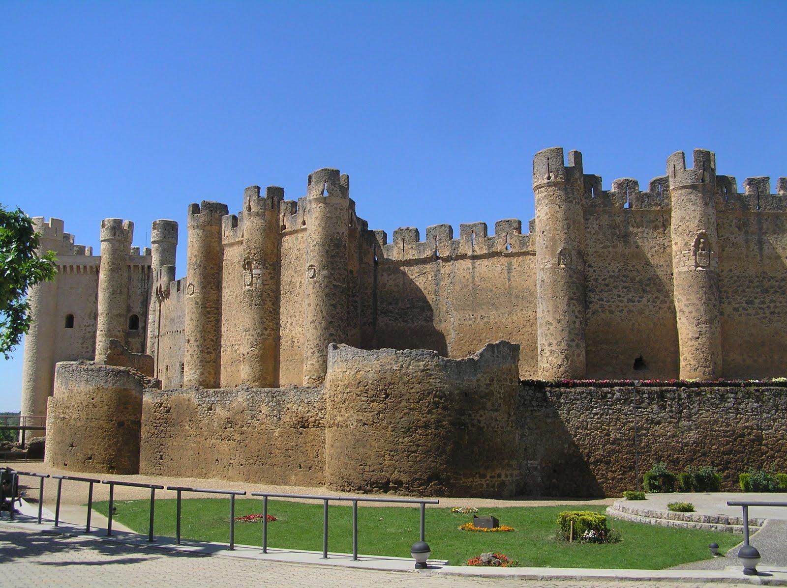 Zamoraprotohistorica castillo de valencia de don juan le n for Piscinas leon valencia don juan