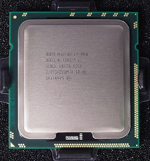 [556px-Intel_core_i7_940_top_R7309478_wp.jpg]
