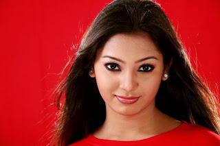 Bangladeshi model Prova  hot and sexy kiss