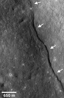 Fotografía de una 'falla' lunar