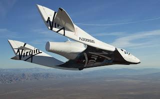 Fotografía de SpaceShipTwo realizando su primer planeo en solitario