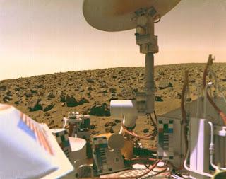 Autorretrato de Viking 2 en una llanura de Marte
