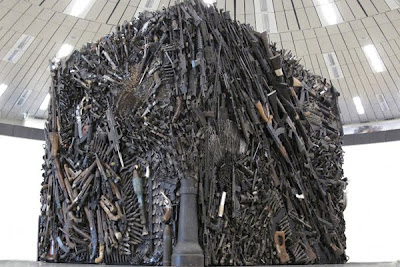 Gun Sculpture Photo