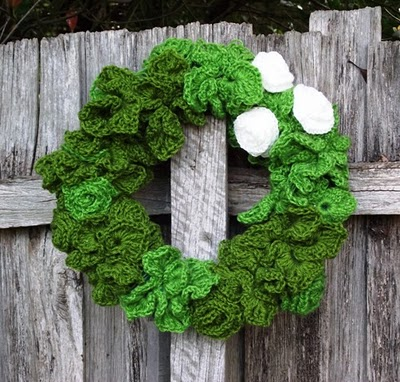 How to Crochet a Christmas Wreath Part 0/8 Video – 5min.com
