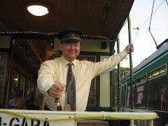 Vatman al tramvaiului electric de epoca din Iasi, in Targul Cucu