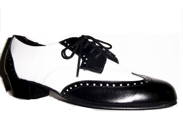 Wordless wednesday black and white shoes the green eyed for Black and white shows