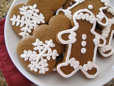 The Bake-Off Flunkie: Gingerbread Cookies with Royal Icing