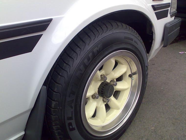Corolla DX 82