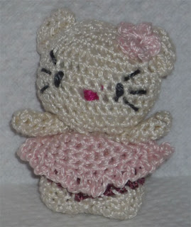Single crochet two together (sc2tog) - Glossary - Crochet Me