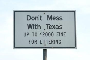 Don't mess with Texas – eine freundliche Erinnerung am Straßenrand © Cornelia Schaible