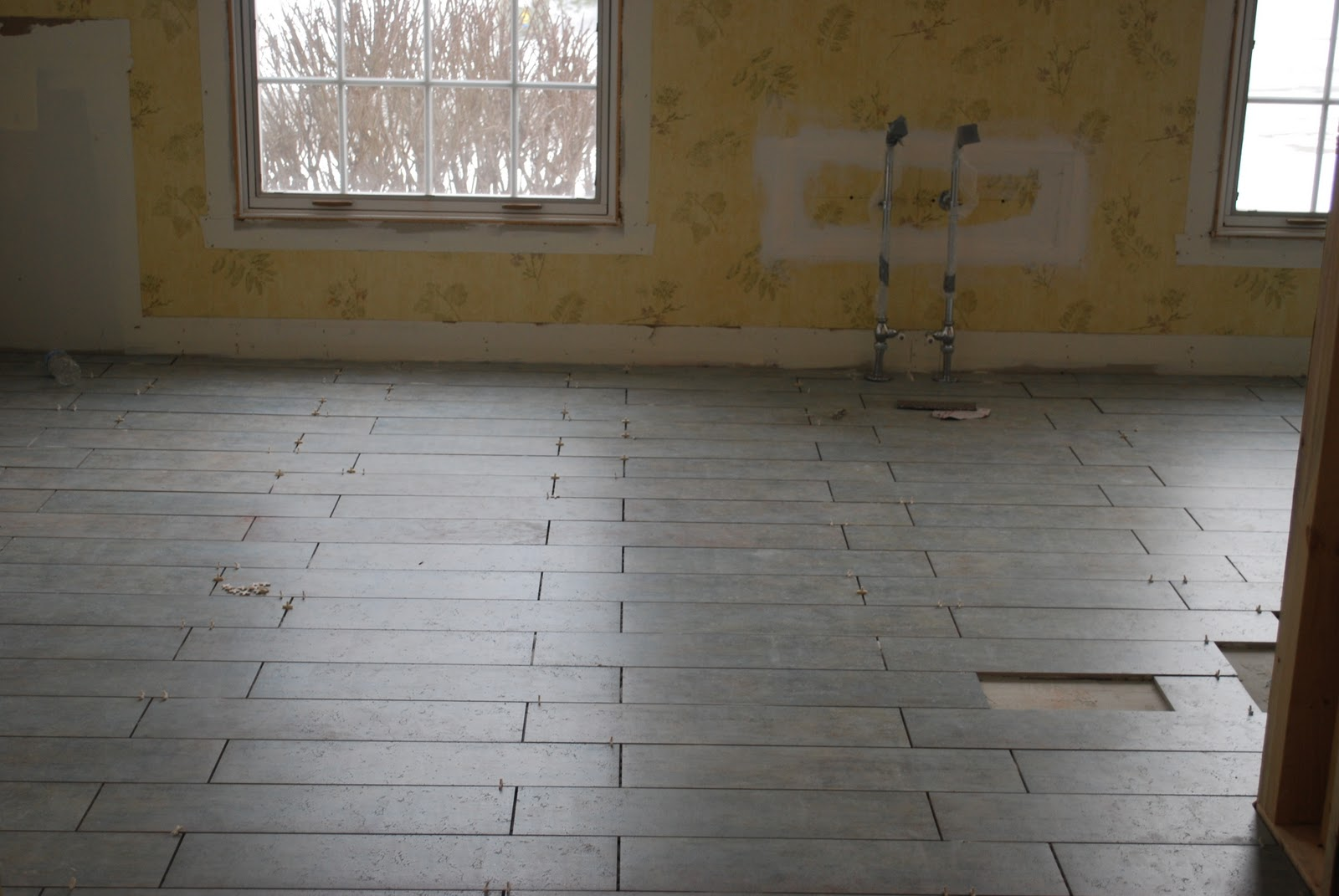 Sweet chaos home the floor tile saga friday january 28 2011 dailygadgetfo Images