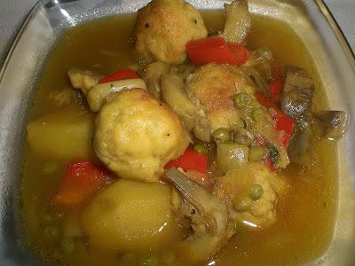 Cabeza de ajo guisado de verduras con albondigas de bacalao - Bacalao guisado con patatas ...