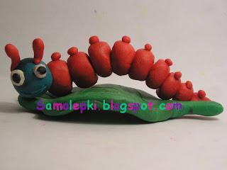 поделка из пластилина гусеница