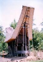 tongkonan - Toraja traditional house