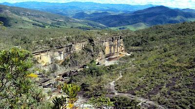 minas gerais mg ibitipoca cachoeiras  viajando sem frescura turismo  parque paredao