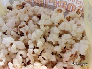 Popcorn (Photograph)