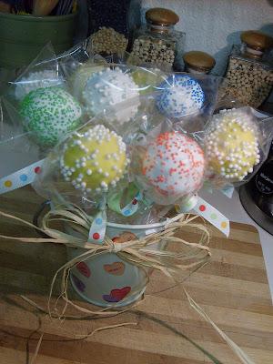 Cake Pops . . . Valentine Bouquets