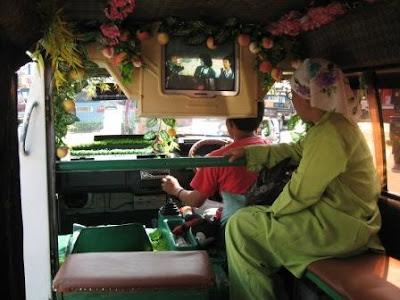 Inilah Foto-foto Angkutan Umum Paling Unik gokil