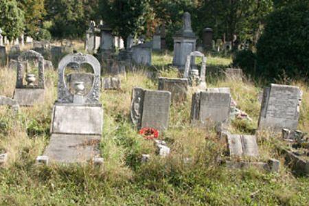 Tiga Makam Muslim Tua Ditemukan di Prancis