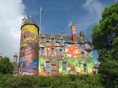 Graffiti castle Seen On www.coolpicturegallery.us