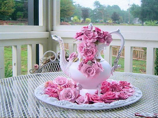 http://4.bp.blogspot.com/_ft822rDlu5Q/TNIvx430xYI/AAAAAAAAC08/fh0Zx32Ij8c/s1600/Beautiful-Teapots-01.jpg