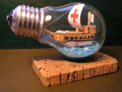 New life of old light bulbs Seen On www.coolpicturegallery.us