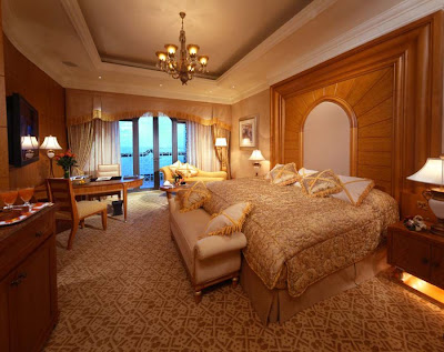 Luxury hotel - The Emirates Palace Hotel Seen On  www.coolpicturegallery.us