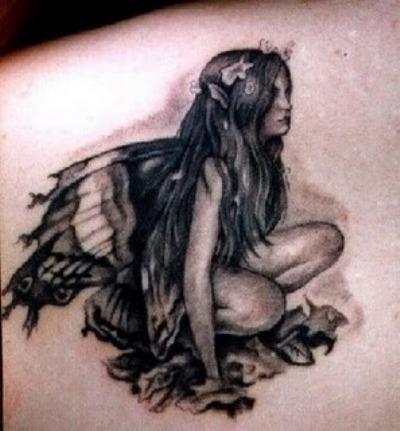 Soixante tatouages de chapelets Certains sur les mains