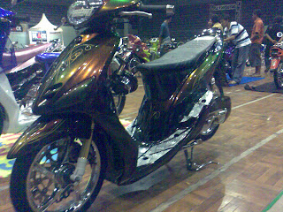 Motor Yamaha Mio Dark Colour