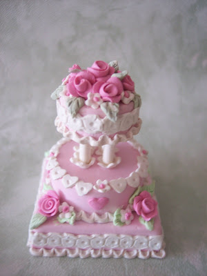 I chose pink and white for this Valentine 39s day wedding cake