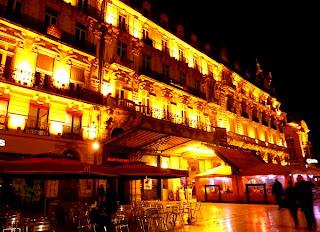Montpellier la nuit : la Comédie