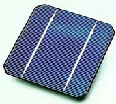Φωτοβολταϊκά παράγουν ρεύμα και το βράδυ