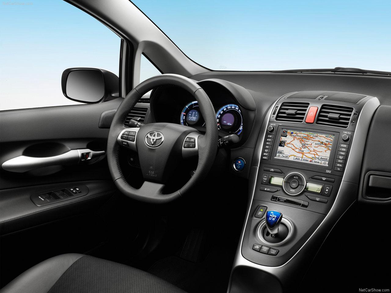 cockpit autom vel conte dos auto toyota auris 1 8 hsd. Black Bedroom Furniture Sets. Home Design Ideas
