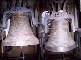 """Campanas """"Trinidad"""" y """"María Carmen"""" en la torre del templo"""