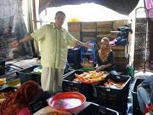 En Aziz Desa di kilang Jeruk